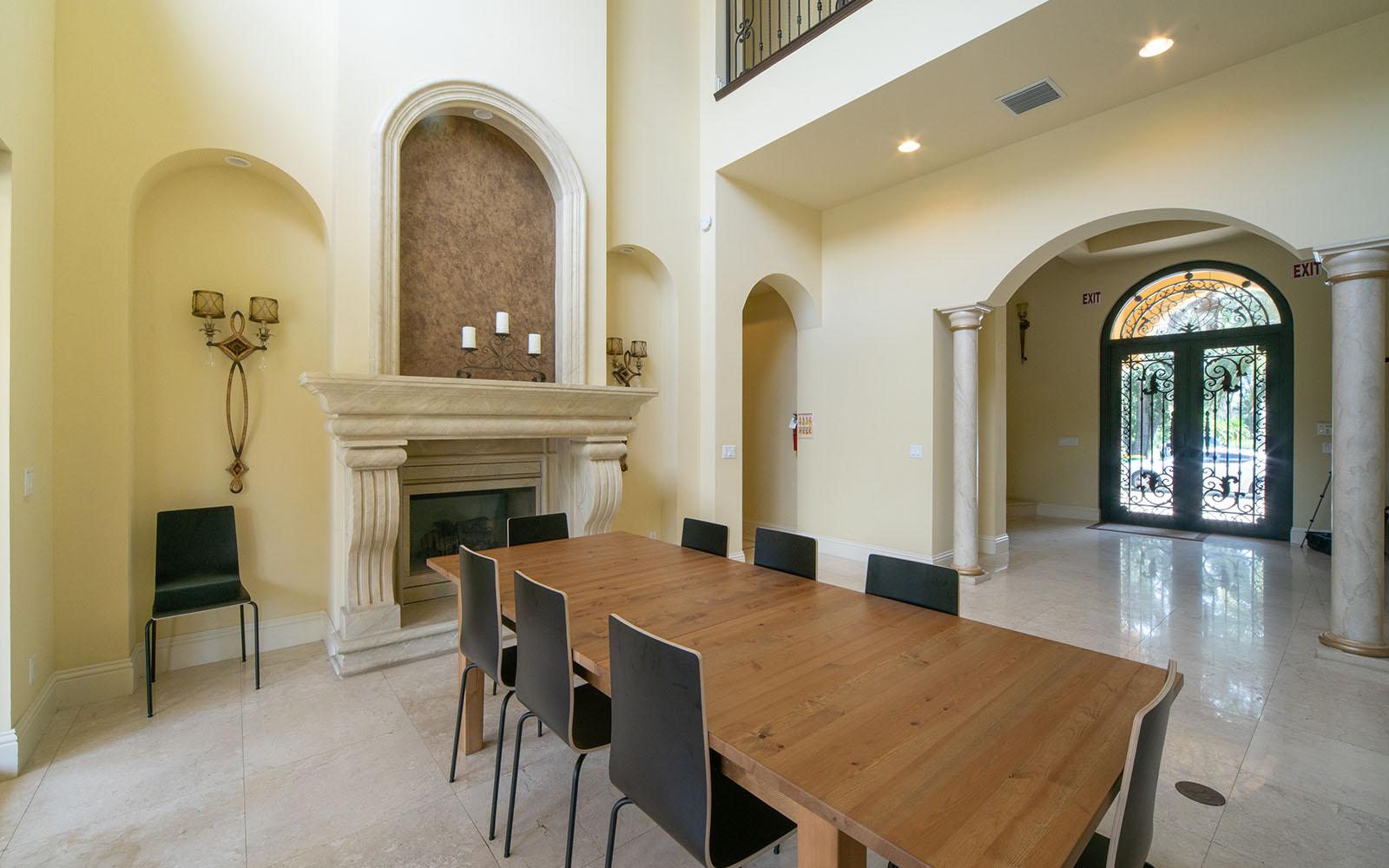 Female-Villa-Dinning-Room