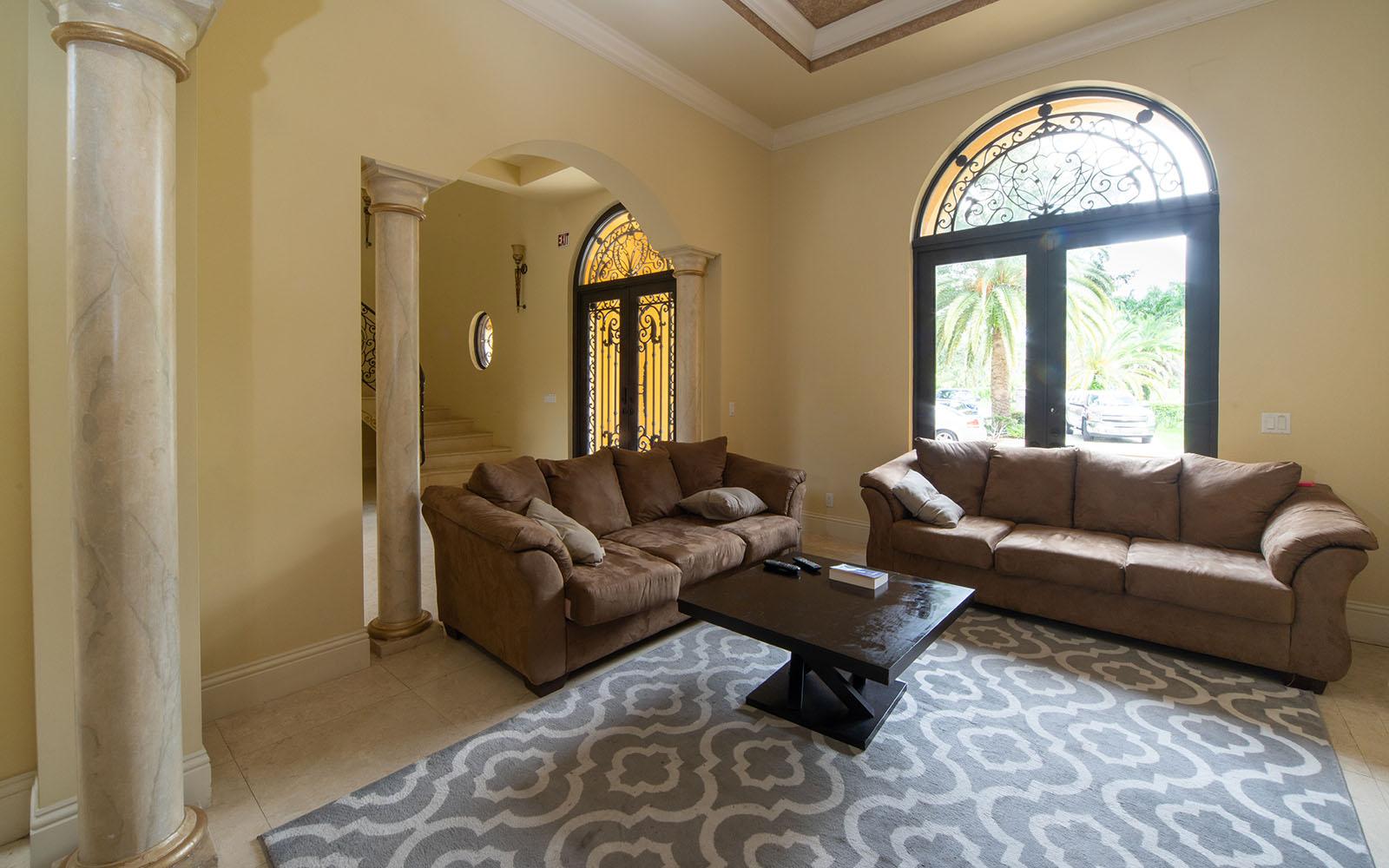 Female-Villa-Living-Room